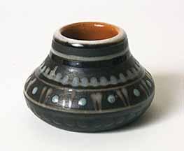 Small brown Riga  pot