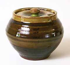 Brown Winchcombe covered pot