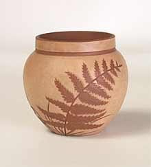 Salopian pot with light background