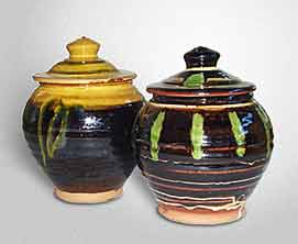 Two Bowen storage jars
