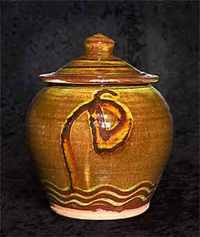 Lidded Clive Bowen pot