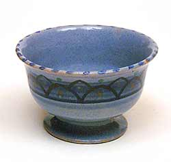 Honiton raised bowl