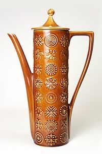 Totem coffee pot