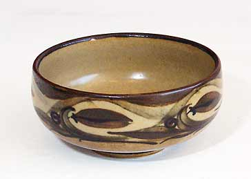 Small decorated Hoy bowl
