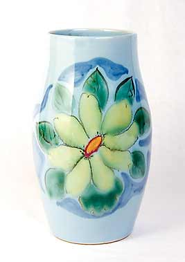 Floral Buchan vase