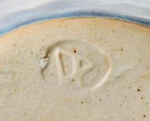 Dartington beaker (mark)