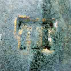 Tremaen pebble pot (mark)
