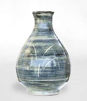 Amanda Brier sgrafitto vase