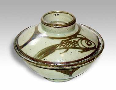 Michael Cardew covered bowl