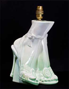 Green high-heeled lamp