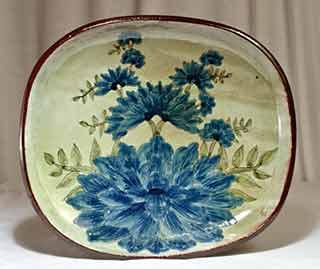 Very large Chelsea dish