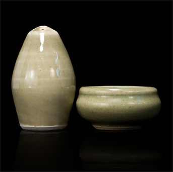 Leach porcelain pepper and salt