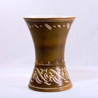 Waisted Pearsons vase