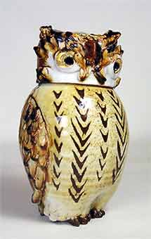 Lidded Chelsea owl pot