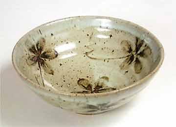 Brushed flower design bowl